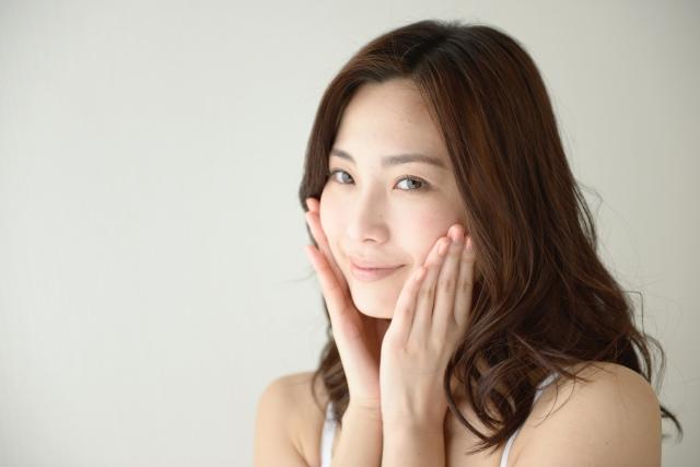 潤い美肌の女性